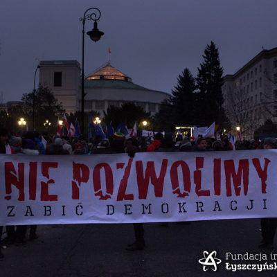 Baner Fundacji im. Kazimierza Łyszczyńskiego